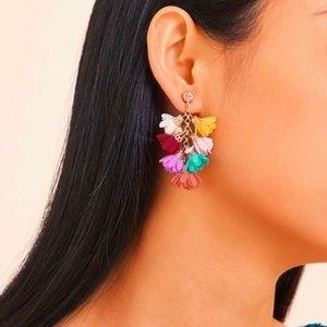 3/$30 💛 Ruffle Earrings